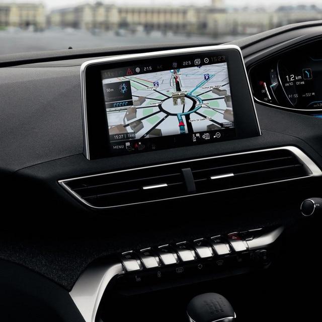 /image/41/7/new-5008-suv-navigation-interior.350417.jpg